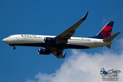 DeltaAirlinesBoeing737832N376DA_32