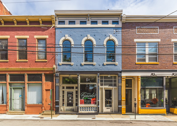 • 5th Street East • Central Business District • Covington • Kentucky • United States •