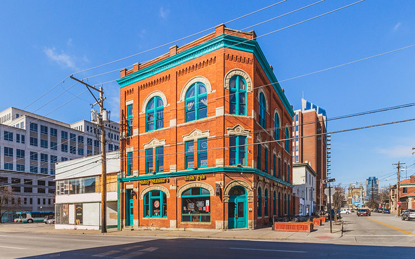 • 4th Street East & Court Street • Central Business District • Covington • Kentucky • United States •