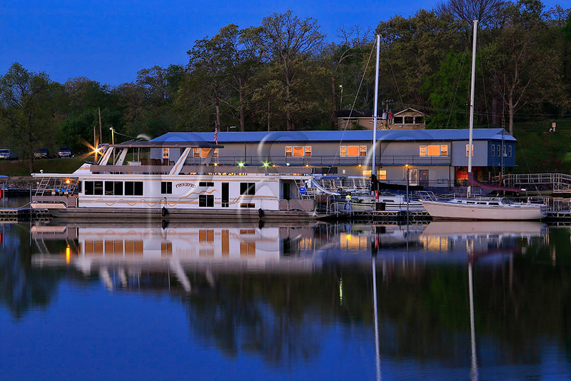 KY KENLAKE STATE RESORT PARK BAY VIEW LOOK AT BOAT DOCK APRAF_MG_7396MMW