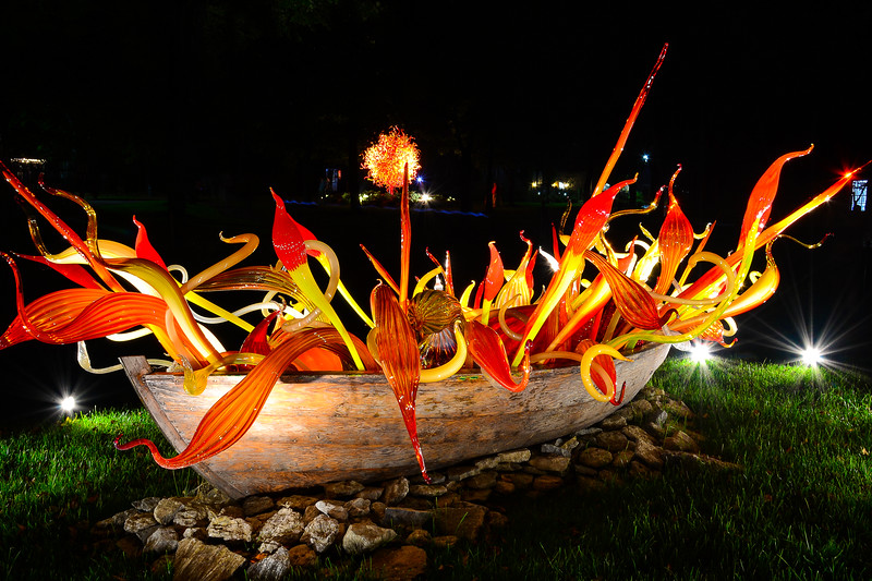 Crimson and Chestnut Fiori Boat at Maker's Mark Distillery #ChihulyAtMakers