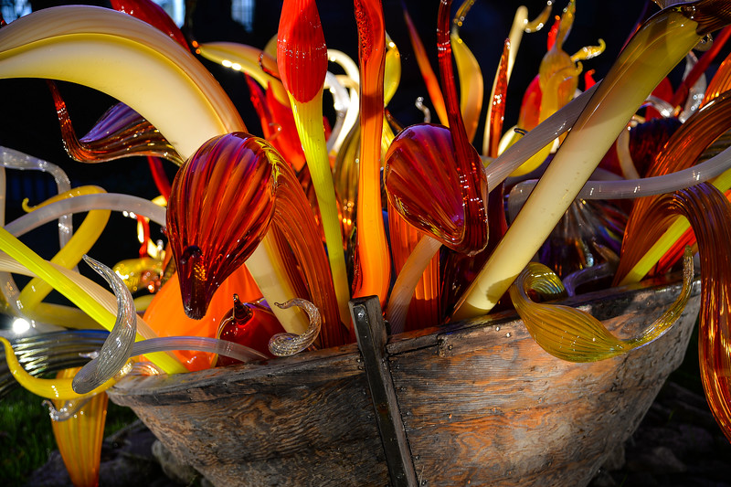 Crimson and Chestnut Fiori Boat  #ChihulyAtMakers