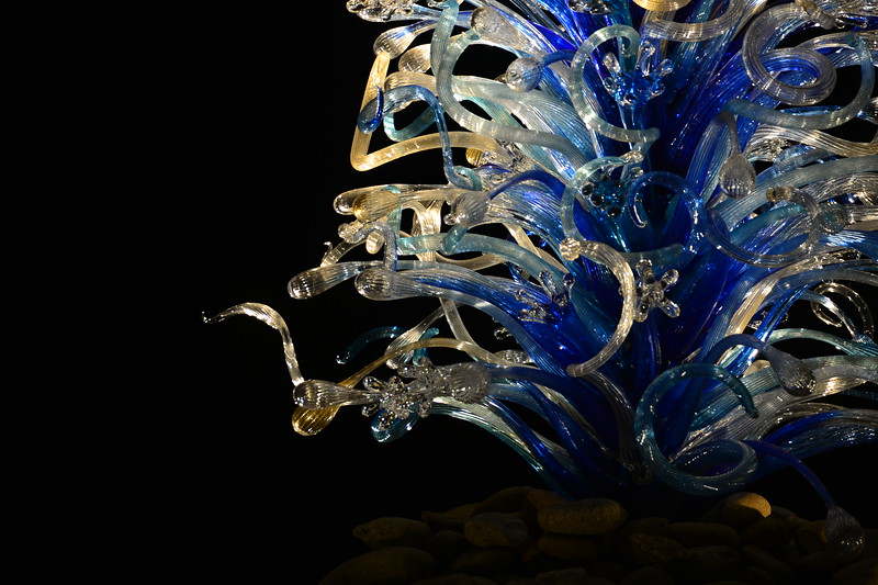 Sapphire and Platinum Waterdrop Tower #ChihulyAtMakers