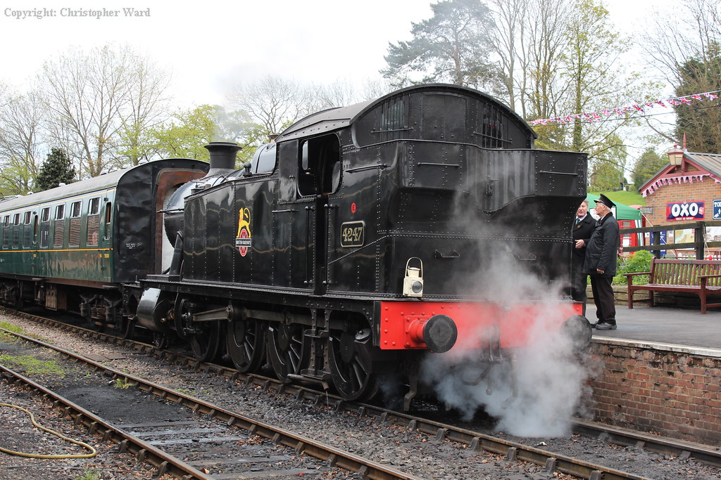 4247 moves onto the stock for an afternoon departure to Bodiam