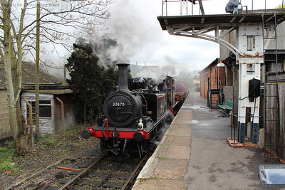 32670 and Charwelton coast through the station