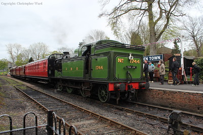 1744 waits time for another run down the bank to Rolvenden