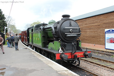 1744 arrives with the vintage train from Bodiam