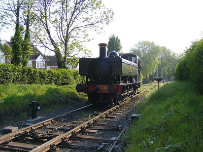 1638 prepares to run through the platform