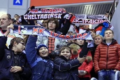 Дети с шарфами