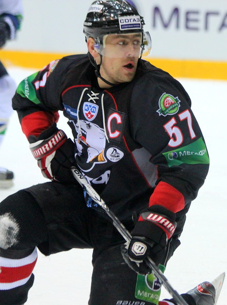 Владимир Антипов, Трактор Челябинск, хоккеист