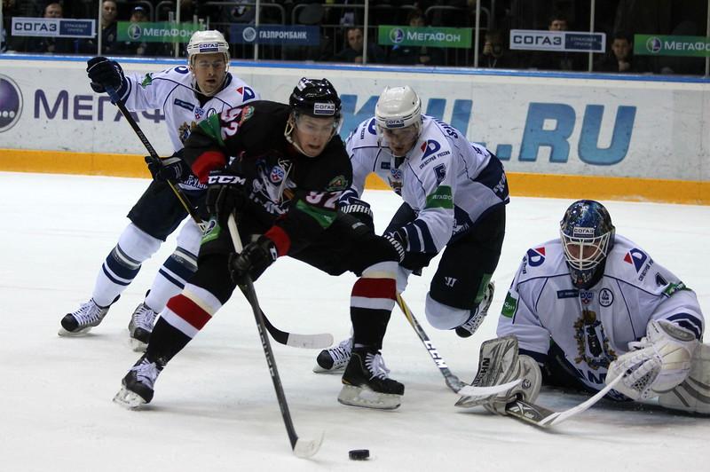 Евгений Кузнецов, Трактор Челябинск, хоккеист
