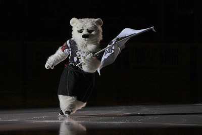 Белый медведь, талисман хоккейного клуба Трактор (Челябинск)