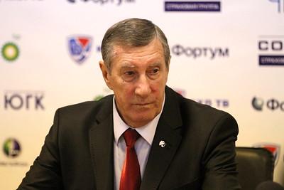Валерий Белоусов, главный тренер команды