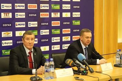 Главный тренер челябинского Трактора Валерий Белоусов и главный тренер казанского Ак Барса Валерий Белов прокомментировали матч, в котором Ак Барс выиграл по буллитам о счетом 3:2.