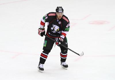Белорусский нападающий Андрей Костицын рассказал о подготовке челябинского Трактора к новому сезону.