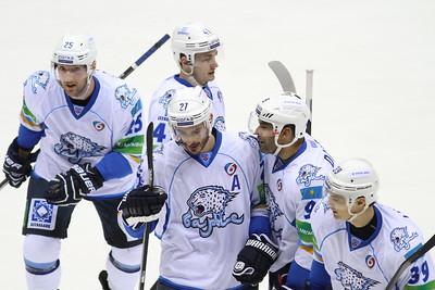 12 марта в плей-офф Континентальной хоккейной лиги состоялись четыре матча. Барыс из Астаны стал первой командой в восточной конференции, которая вышла в следующий раунд Кубка Гагарина