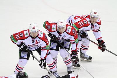 17 марта в плей-офф Континентальной хоккейной лиги состоялись два матча. В следующий раунд вышли ярославский Локомотив и донецкий Донбасс