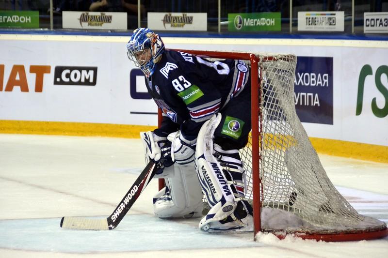 Магнитогорский Металлург выиграл у челябинского Трактора со счётом 2:0 у себя дома.