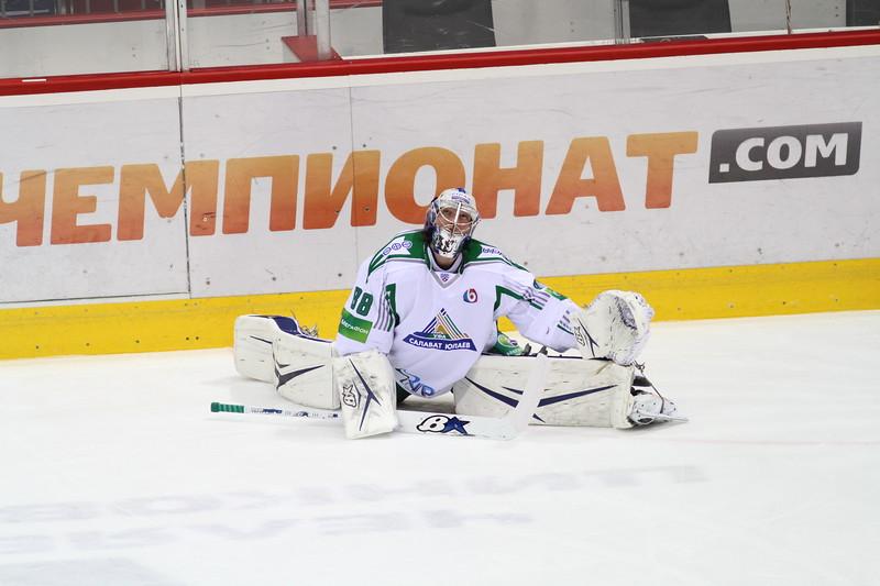 """Уфимский """"Салават Юлаев"""" выиграл на своем льду у магнитогорского """"Металлурга"""" со счетом 4:0 и сократил отставание в финале восточной конференции Кубка Гагарина."""