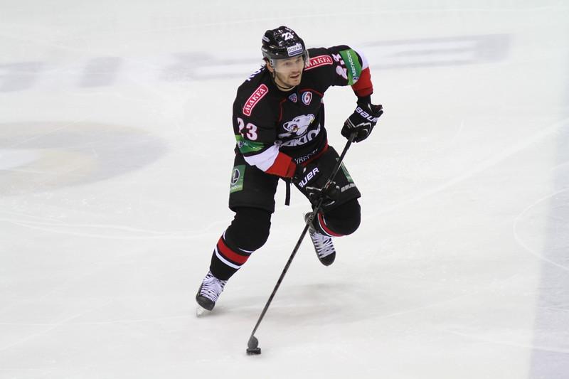 Нападающий челябинского Трактора Станислав Чистов прокомментировал в интервью 74hockey.ru матч со Слованом