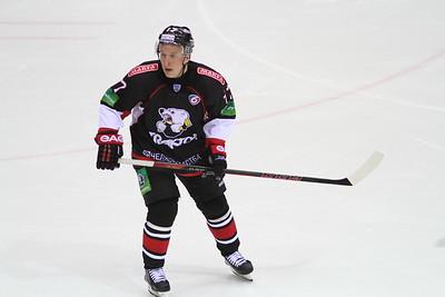 Нападающий челябинского Трактора Алексей Заварухин прокомментировал в интервью 74hockey.ru матч против ЦСКА 3:1
