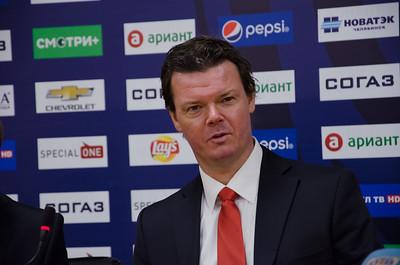 Главный тренер челябинского Трактора Карри Киви и главный тренер рижского Динамо Артис Аболс прокомментировали матч, в котором Трактор выиграл по буллитам со счётом 2:1.