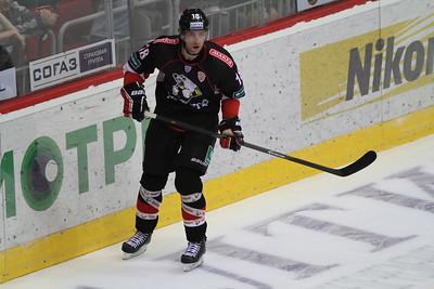 Челябинский Трактор выиграл в Тольятти у местной Лады со счётом 4:3 и прервал серию из шести поражений подряд.