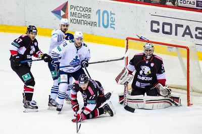 Челябинский Трактор обыграл у себя дома Адмирал из Владивостока со счётом 3:1.