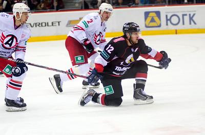 Челябинский Трактор выиграл а Екатеринбурге у Автомобилиста со счётом 3:1.