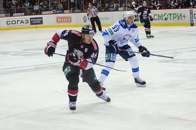 Челябинский Трактор принимал у себя дома Барыс из Астаны в очередном матче Континентальной хоккейной лиги.