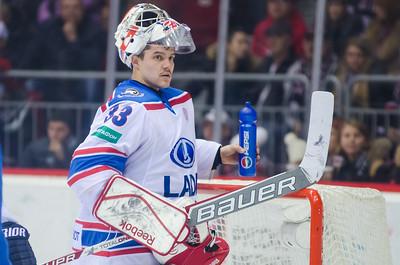 Челябинский Трактор на своем льду проиграл тольяттинской Ладе со счётом 0:1.