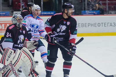 Челябинский Трактор выиграл у тольяттинской Лады на домашнем льду со счётом 3:1.