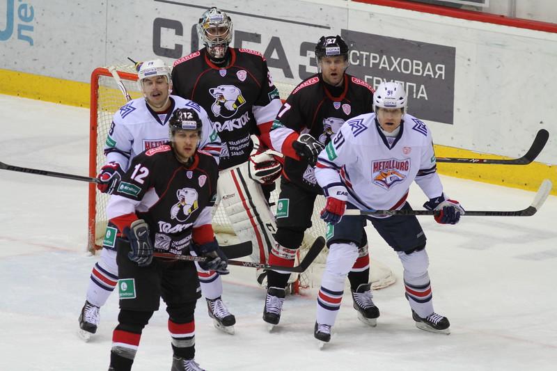 Челябинский Трактор уступил в овертайме магнитогорскому Металлургу со счётом 2:3 на домашнем льду.
