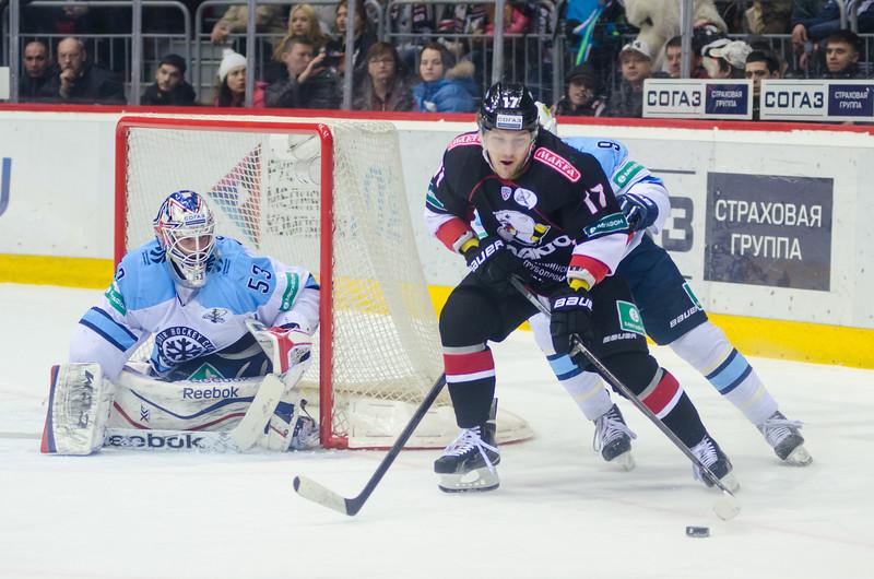 Новосибирская Сибирь выиграла у челябинского Трактора со счётом 5:3. Счёт в серии плей-офф стал 3:2 в пользу команды из Новосибирска.