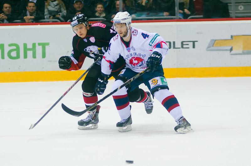 Челябинский Трактор завершил выездную серию матчей поражением в Нижнем Новгороде.