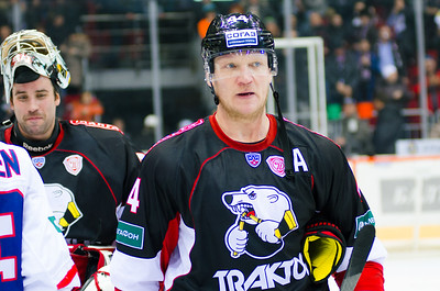Челябинский Трактор выиграл у нижегородского Торпедо на своем льду со счётом 3:2.