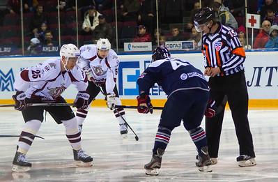 Магнитогорский Металлург уступил на своём льду рижскому Динамо со счётом 1:3 в матче Континентальной хоккейной лиги.