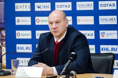 Трактора Андрей Николишин и главный тренер хабаровского Амура Сергей Шепелев прокомментировали игру, в которой Трактор выиграл по буллитам со счётом 2:1.