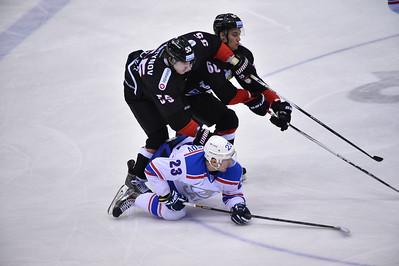 Челябинский Трактор выиграл на своём льду у тольяттинской Лады в серии буллитов со счётом 3:2 и прервал серию из трёх поражений подряд.