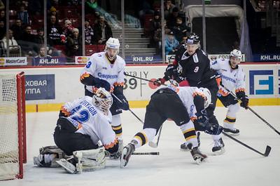 Челябинский Трактор выиграл со счётом 2:1 у себя дома у череповецкой Северстали в матче Континентальной хоккейной лиги.