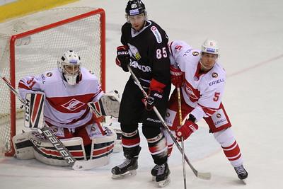 Челябинский Трактор выиграл у себя дома в овертайме со счётом 2:1 у московского Спартака.