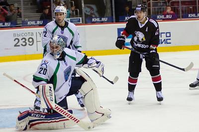 Челябинский Трактор уступил на своем льду Югре из Ханты-Мансийска со счётом 3:5.