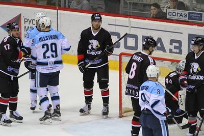 Челябинский Трактор у себя дома проиграл в овертайме новосибирской Сибири со счётом 1:2.
