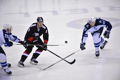 Нижнекамский Нефтехимик обыграл у себя дома челябинский Трактор со счётом 3:0 в матче Континентальной хоккейной лиги.