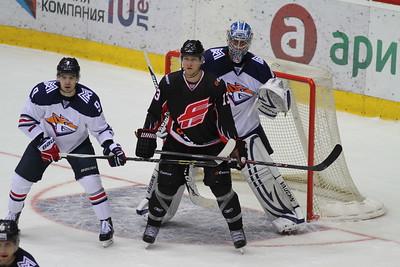 В понедельник в ледовой арене Трактор закончился предсезонный турнир Кубок Губернатора Челябинской области.