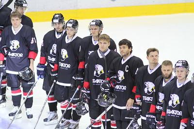 В Челябинске прошли первые матчи Кубка Губернатора Челябинской области. В этом году в турнире принимают участие четыре команды Восточной конференции Континентальной хоккейной лиги.