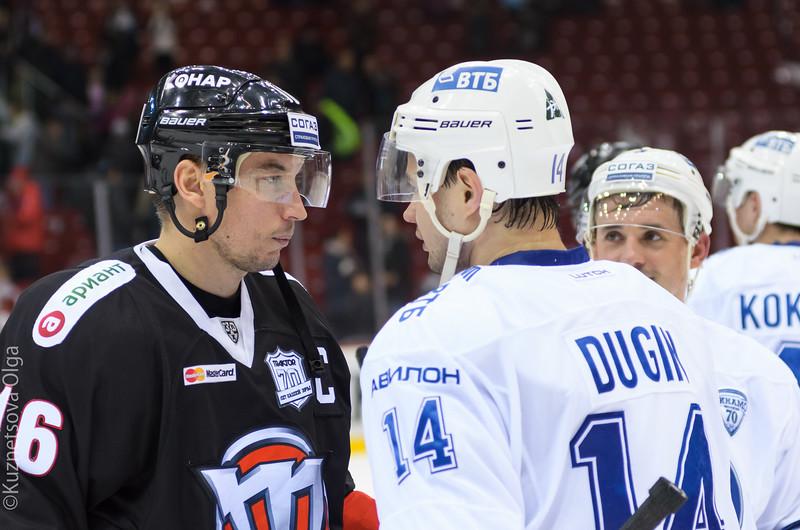 Домашнюю серию челябинский «Трактор» открыл матчем с московским «Динамо».