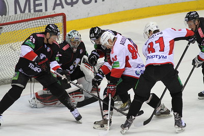 Челябинский Трактор в товарищеском матче обыграл команду Высшей хоккейной лиги Челмет со счетом 3:2