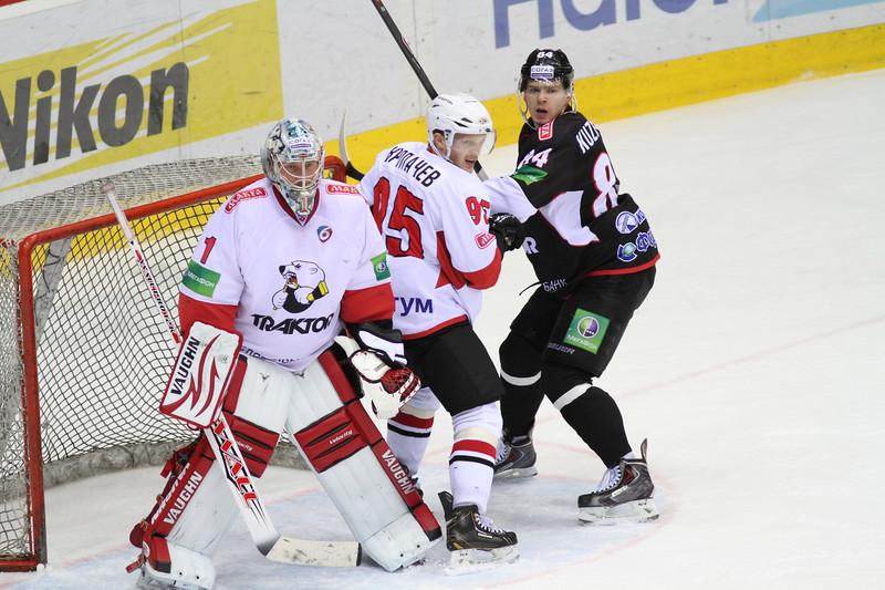 В товарищеском матче челябинский Челмет выиграл у челябинского Трактора со счетом 5:0