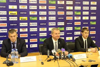 Первый вице-президент хоккейного клуба Трактор Владимир Кречин рассказал журналистам о структурных изменениях в клубе